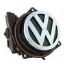Камера заднего вида в значке логотипа Volkswagen